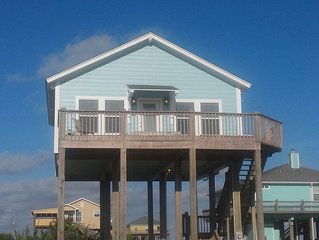 Cozy Beach House with Close Access to Bay and Beach