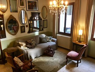 Spacious canal-side apartment in the heart of Venice