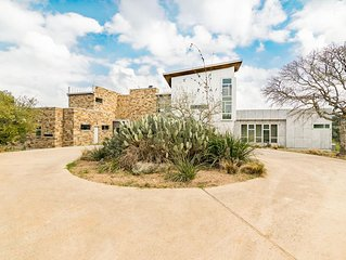 Luxury in the Texas Hills (Main House) - Minutes from many great destinations!