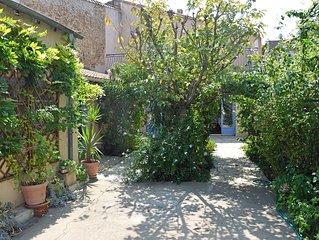 Grande maison de village de 170 m2, avec jardin, pour 7 a 8 personnes