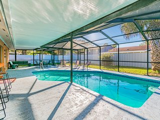 Charming home with amazing heated pool!  Close to Airport, Beaches & Attractions