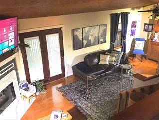 Waterfront townhome, KY Spirited decor, near downtown & attractions! Sleeps 8.