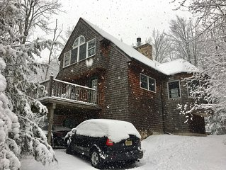 Hunter Mtn Ski Chalet, at Base of Hunter Mtn, Walk to Slopes! 5 Star Property