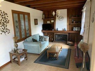 Casa em Condomínio fechado a 1800mts do Centrinho Turistico ! Capivari
