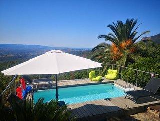 Grande villa avec piscine, vue exceptionnelle mer et montagne
