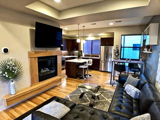 Rooftop Retreat-modern townhome in the heart of LoHi- roof deck-walk everywhere!