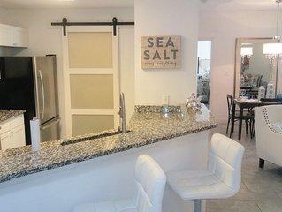 Stunning Luxury 'SEA SALT CONDO' mins to Clearwater Beach w/Salt Wtr Pool, Gym