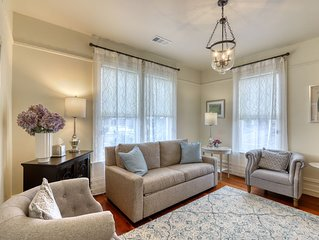 Lovely upstairs Victorian rental by the bay - walk to the heart of town!
