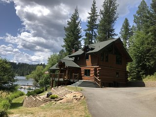 Lake Front Amazing Custom Log Home Private Beach & Dock
