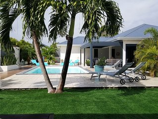 lavillalarosa location avec piscine et spa sans vis a vis au calme Sainte Anne