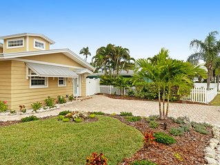Convenient cottage w/ shared pool - easy access to trolley stops & the beach
