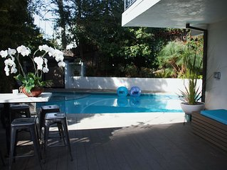 Prime HOLLYWOOD location: luxurious oasis w pool & spa - walk to the Boulevard!
