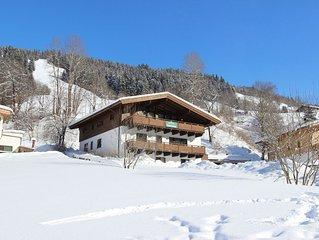 Comfortable Chalet in Saalbach-Hinterglemm with Sauna