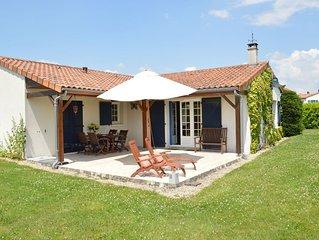 Single storey villa, right beside an internationally renowned 27hole golf course