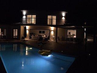 Villaparadise83...une superbe villa avec piscine chauffée en saison