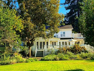 1800s Farmhouse on Picturesque Vineyard