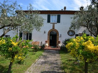 Villa from 1831 in natural environment, strategic location for trips