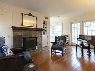 Palisades Hilltop Home - Across from German Embassy, 10 min to Georgetown