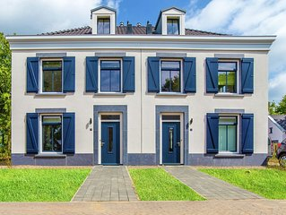 Stately, luxurious villa with whirlpool, 4km from Maastricht