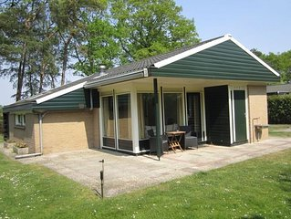 Tidy bungalow with large garden, located in Twente