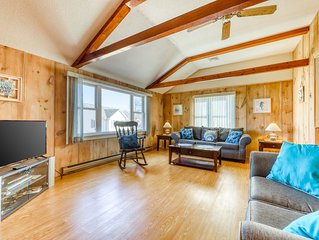 Walk to Ogunquit Beach! Cozy home right near the water w/ patio & grill!