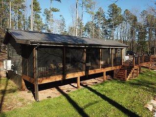 Fishing Cabin - Keowee 2 bedrooms, 2 bathrooms - Fishing - Kayaking - Porch
