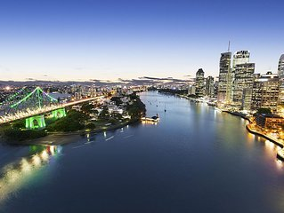 1 Bedroom (RP BS) - Absolute waterfront views of Brisbane River/Storey Bridge an