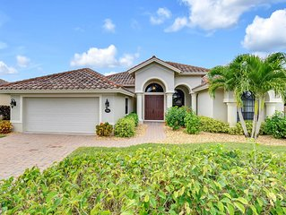 Stunning 3 Bedroom plus Den Pool home in Naples Gated Briarwood Community