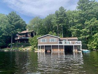 Paradise on Lake Muskoka – Cottage & Boathouse Perfect for Large Groups