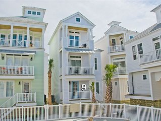 The Sand Castle: 3 BR / 3 BA house in Atlantic Beach, Sleeps 6