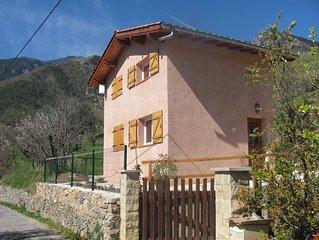 Petite maison 40m  entièrement rénovée très calme et très ensoleillée plein sud