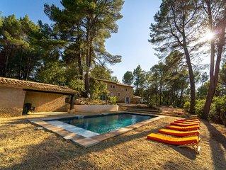 Maison avec vue et piscine à Roussillon