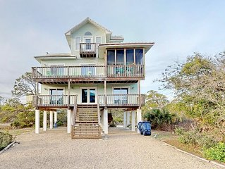 Fresh Remodel (2019) and great stargazing! Beach view Plantationhome with Screen