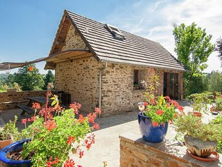 Comfortable gite in picturesque medieval village