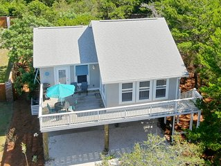 'Hatchling Hut' Pet Friendly Inlet Beach Rental Short Walk to Great Beach Access