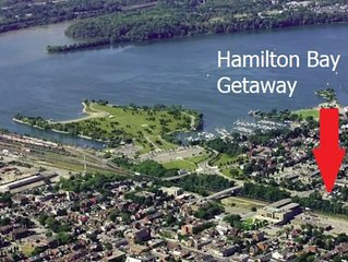 Hamilton Bay Getaway - Whole House steps to Downtown & Free Parking