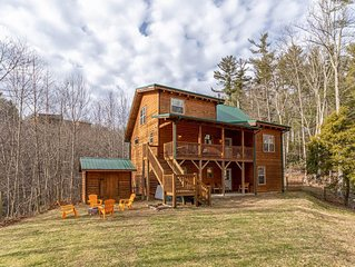 Valle Meadows Retreat 4bd/3ba Fireplace, game tables, fire pit, fenced in pet-fr