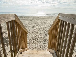 Oceanfront beach condo w/panoramic views of ocean  from your  deck.  Immaculate.