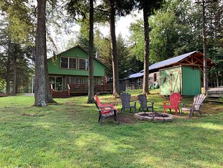 Old Forge Lakefront Cottage with 5 Bedrooms and 2 Baths (Sleeps 10)!