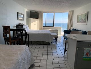 Very comfortable Studio Efficiency Condo on the Beach