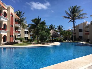 Playasol...Beachfront, Groundfloor, Steps from Pool