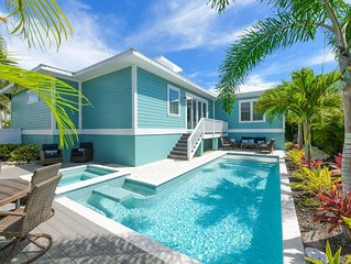 Beautiful 5 bedroom Luxury Home just 2 blocks to beach, private Pool/Spa!