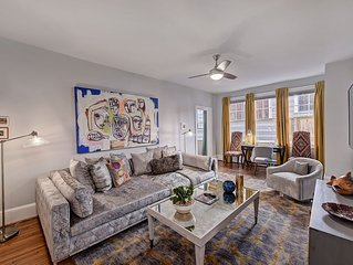Spacious Elizabeth Apartment, 1 Block to Park, 2 miles from Uptown