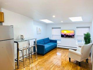 �L**K!� Sunlit Utopia, 3 bedroom in 20ft wide brownstone