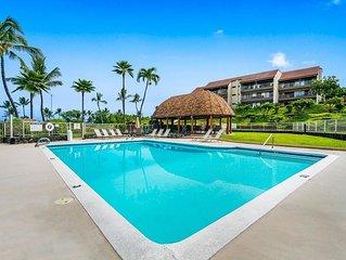 KONA LG 3/3 Condo, Ocean/Golf View, HUGE Lanai w BBQ, Pool, Quiet, Sleeps 6