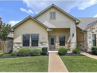 Town Home 4.5 Miles From Texas A&M