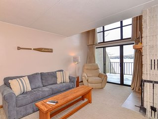 303D- Lakefront condo w/ 2 bedrooms & 1 baths, close to indoor pool & hot tub!