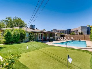 PUTTING GREEN+POOL- 4BR/3BA HOUSE SLEEPS 14!