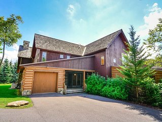 Lake area ski in/ ski out town home with hot tub, gas grill, and fireplace!