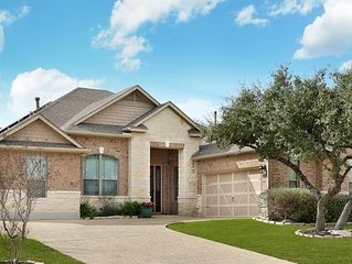 Family friendly 1-story home minutes from Downtown San Antonio